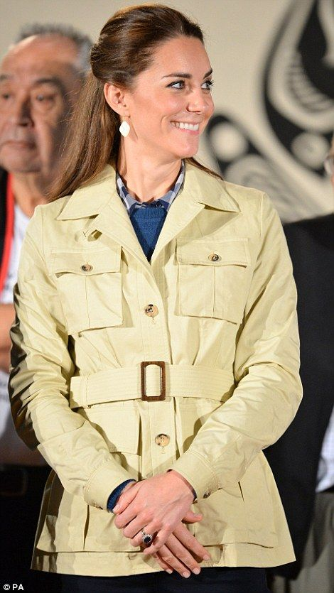 26 September 2016 - Royal Tour to Canada (day 3) - jacket by Holland & Holland, boots by Penelope Chilvers