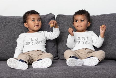 ♡ The perfect gift to introduce your gorgeous twins to the world ♥ Free UK Shipping ♥ Both bodysuits will be sent in the same size unless otherwise requested by email or chat message on the website. ♥100% Cotton perfect for delicate newborns ♥ Personalised with any names ♥ High Quality Printing ♥ Popper Fastening Short Sleeve Bodysuit from 0 - 18 months available.