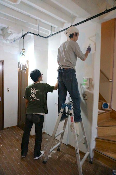 初心者でも塗装は意外と簡単 Diyで部屋の壁をペイントする方法 壁