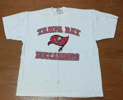 Nfl Football Tampa Bay Buccaneers T Shirt White Xl Pirate Skull Flag Logo Sports Fashion Sports In 2020 Long Sleeve Tshirt Men Football Tshirts Buccaneers Football