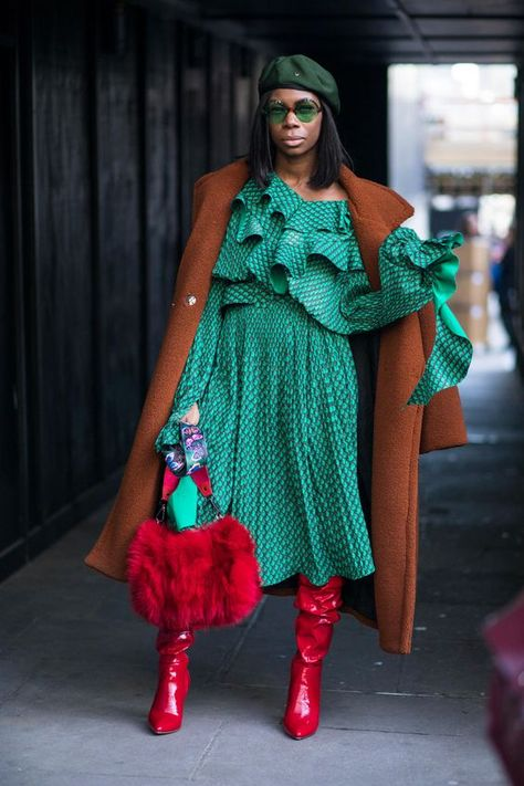 The Street Style Crowd Carried On With London Fashion Week In Classic Trench Coats - Fashionista