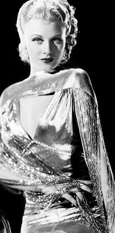 Pin By Irish Emerald On Vintage Fashion Collections In 2020 Classic Beauty Old Hollywood Hollywood Glam