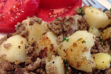 Hamburger Hash Recipe Allrecipes Com Allrecipes In 2020 Hamburger Hash Ground Beef And Potatoes Beef And Potatoes