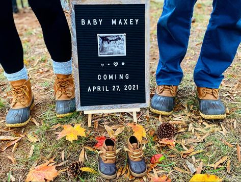 #pregnancyannouncements #babyannouncementideas #baby #pregnant #llbean #expecting #beanboots