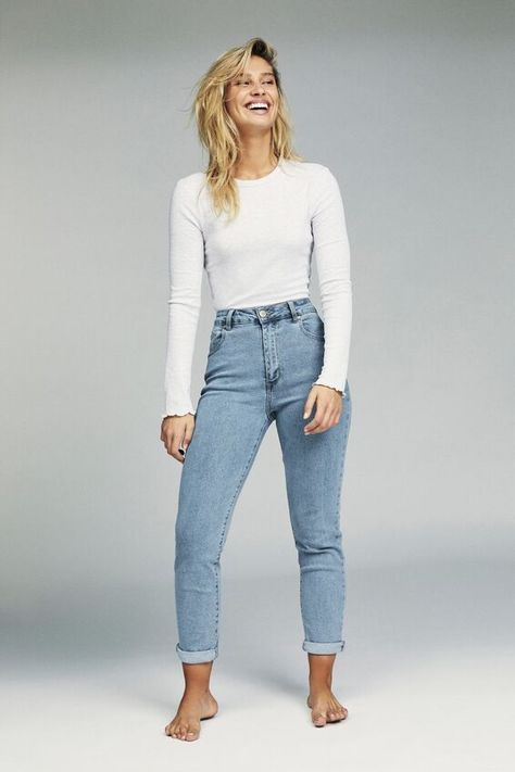 Women Casual Jeans Outfit Regular Fit Jeans Best Skinny Jeans Semi For – bueatyk dinner outfit Women Casual Jeans Outfit Regular Fit Jeans Best Skinny Jeans Semi Formal Pant Suits For Ladies Rave Pants Dinner Smart Casual Casual Work Attire Female Outfit Jeans, Jacket Outfit, Ankle Grazer Jeans Outfit, Jeans And Sneakers Outfit, Ankle Boots With Jeans, Converse Sneakers, Vans Shoes, Casual Work Attire, Casual Jeans