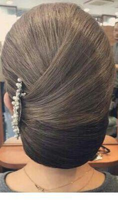 Schone Seitenfrisur Und Haarnadel Frisuren Frisur Hochgesteckt Frisur Ideen
