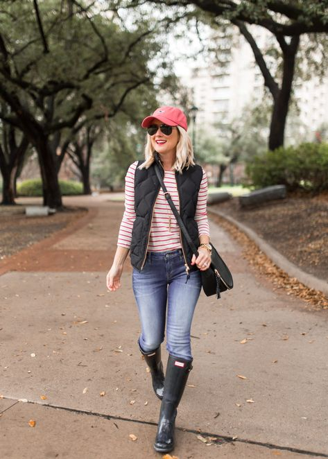 Casual fall outfits, outfits with hats, simple winter outfits, mom outfits,