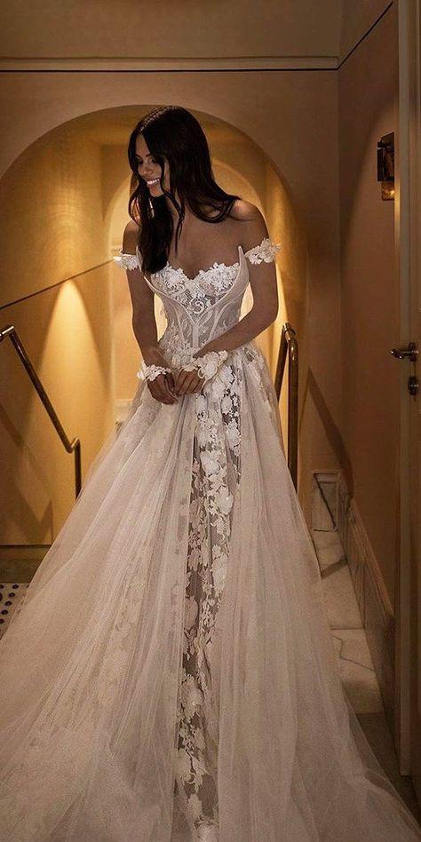 42 Off The Shoulder Wedding Dresses To See - Hochzeit - mariage Top Wedding Dresses, Wedding Dress Trends, Bridal Dresses, Bridesmaid Dresses, Wedding Ideas, Detailed Wedding Dresses, Formal Dresses, Elegant Dresses, Unique Wedding Dress