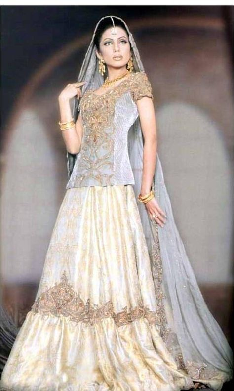 Pakistani wedding dresses 2011 is a vast range of wedding dresses with different colors and styles.