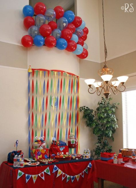 Party decorations with balloons & streamers