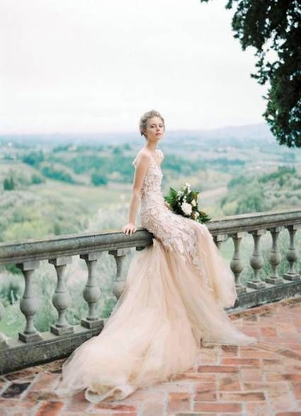 19 Ideas Bridal Editorial Vogue Gowns In 2020 Vogue Wedding Vogue Bride Italian Wedding Dresses