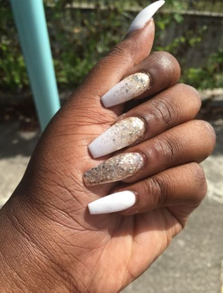 White And Gold Coffin Nails : white, coffin, nails, Coffin, White, Acrylic, Nails, Glitter, Manicure, Trends