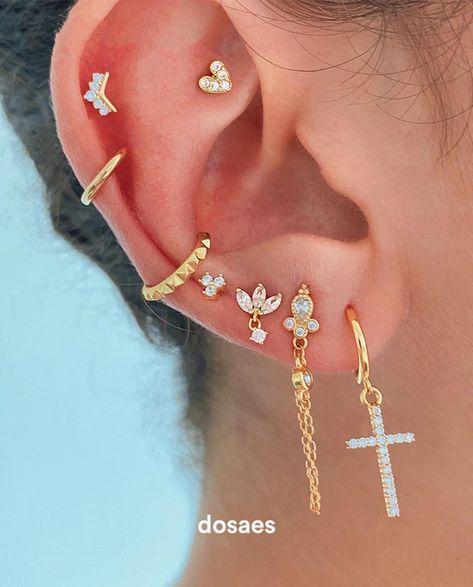 Ear Jewelry, Cute Jewelry, Body Jewelry, Jewelery, Jewelry Accessories, Piercings Lindos, Pretty Ear Piercings, Cute Earrings, Dangle Earrings