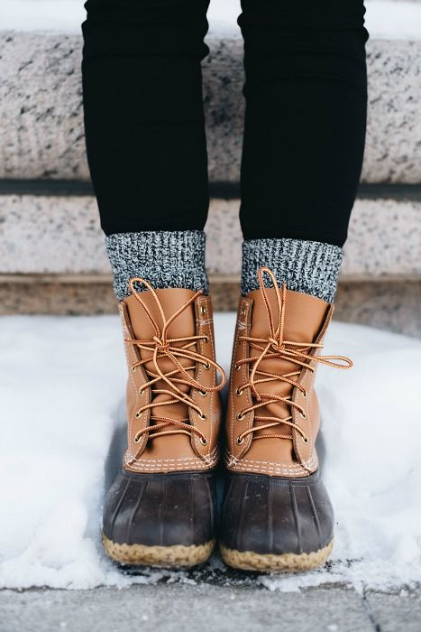 LL Bean Boots / / Winterstiefel - shoes shoes shoes - winter boots Bean Boots Outfit, Winter Boots Outfits, Casual Work Outfits, Professional Outfits, Trendy Outfits, Girl Outfits, Ll Bean Duck Boots, Ll Bean Winter Boots, Winter Socks