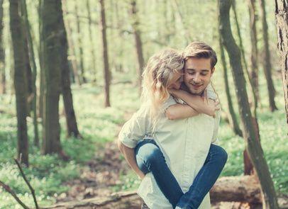 Signale männer nonverbale verliebter Verliebte männer