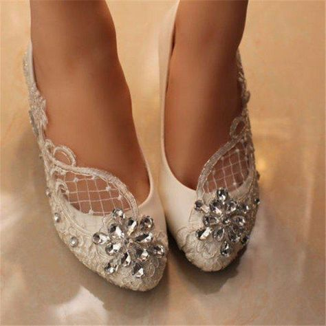10f2f4a3a59 Shoe Type  Wedding Shoes Toe Type Round Toe Closure Type  Slip On Heel Type Flat  Heel Height  0.5cm Gender  Female Occasion  Wedding Season  Spring