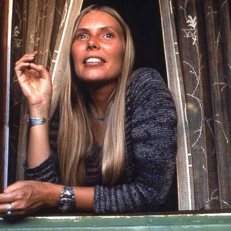 A Happy 71st b'day shout goes out today to Joni Mitchell. She was