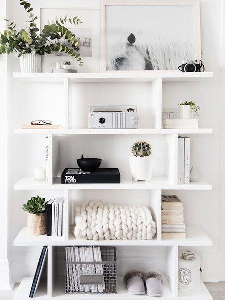 12 Ideas Con Estanterías Blancas Decoración De La Habitación Decoracion De Interiores Decorar Estantería