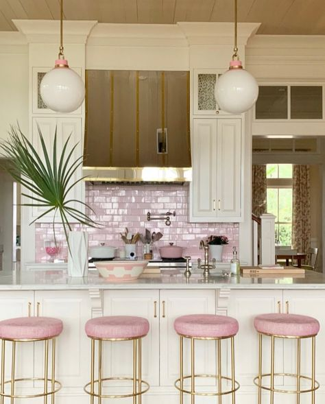 Looking for dream kitchen inspiration? Be tempted by these stunning nature inspired luxurious kitchens by top interior designers! Home Decor Kitchen, Kitchen Interior, Home Kitchens, Kitchen Dining, Pink Kitchens, Design Kitchen, Kitchen Cabinets, Interior Modern, Interior Design