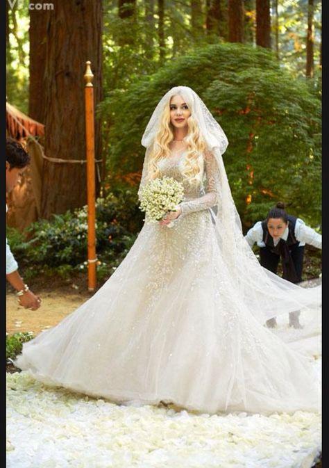 https://i.pinimg.com/474x/ea/4b/42/ea4b427399e9331b4a39866b5cf32dbd--big-sur-wedding-celebrity-weddings.jpg