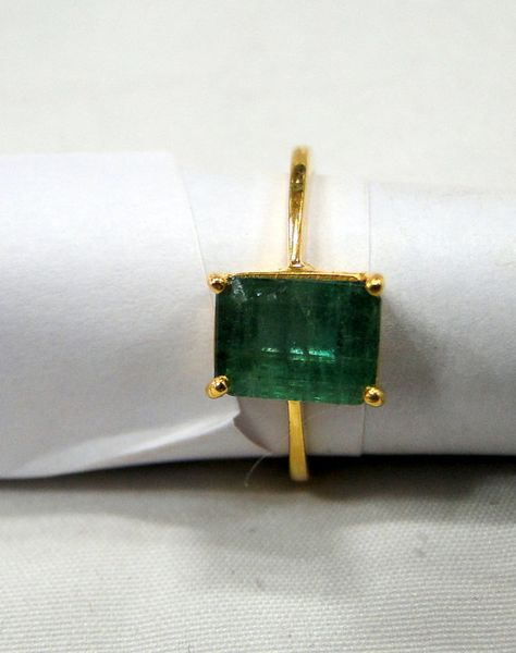 Emerald  ring Vintage 18 k Solid gold Emerald ring by TRIBALEXPORT, $849.00