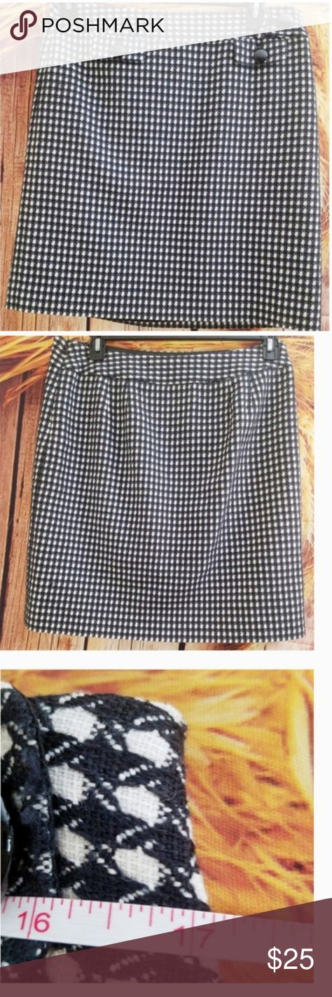 Ann Taylor Checkered Button Wool Blend Skirt 10 Ann Taylor Checkered Button Wool Blend Skirt 10. Black and white. Size 10 / Size Ten. Wool and cotton. Faux pocket and button detail. Measurements are in the photos. Tags: Clueless Style, houndstooth print, professional, career, work, interview, fashion, dress up, dress down, fall, autumn, spring, winter. Great with tights, leggings or panty hose, and boots, booties and mules. Ann Taylor Skirts