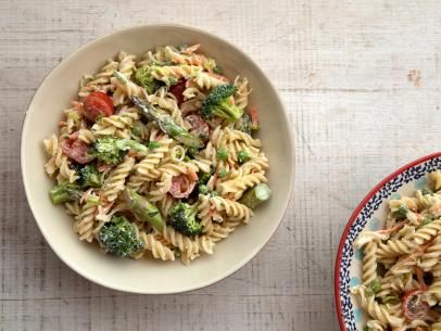 Primavera Pasta Salad Recipe In 2020 Food Network Recipes Pasta Salad Recipes Pasta Primavera