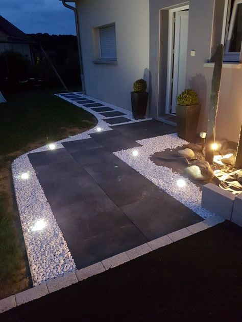 Fascinating Outside Lighting Ideas Uk Made Easy In 2020 Driveway Design Courtyard Landscaping Modern Outdoor Lighting