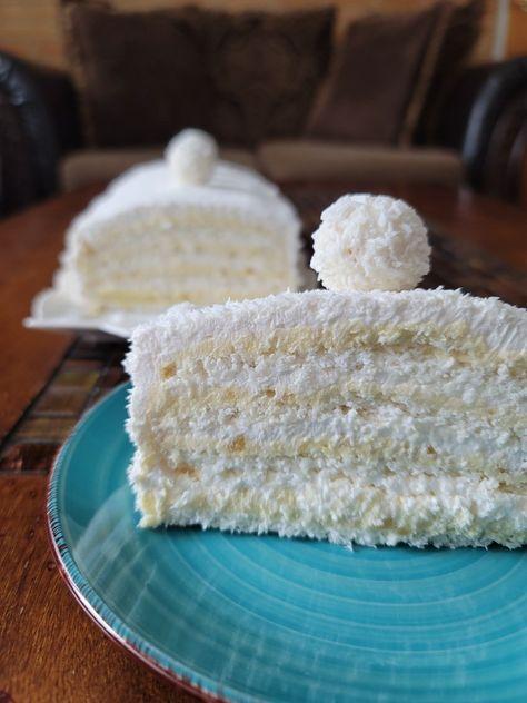 Yum! Creamy, coconuty, delicious! #rafaelo #torta #torteikolaci #cake #coconutcake #coconut #springcake #eaaterdessert #easterrecipes #kokostorta #raffaellodessert #desserts #easterdesserts