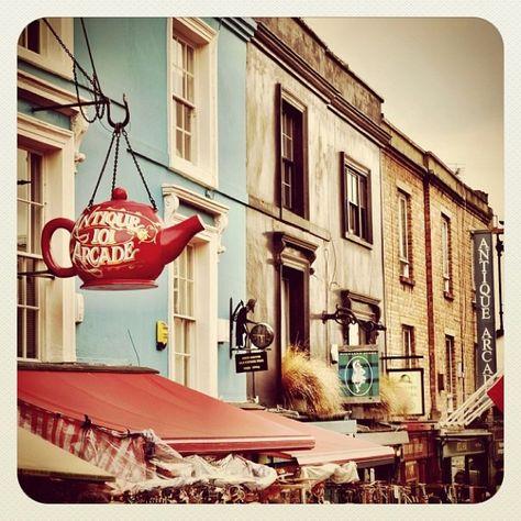 Portabello Road Market, Notting Hill, England