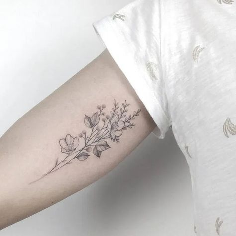 140+ most beautiful arm tattoo design for women 15 ~ thereds.me