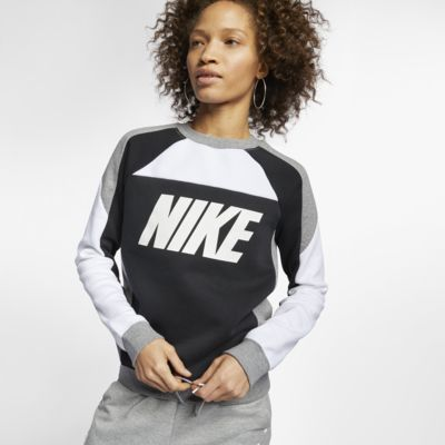 Find The Nike Sportswear Women S Fleece Color Block Crew At Nike Com Enjoy Free Shipping And Returns With Nike Sportswear Women Womens Fleece Nike Sportswear