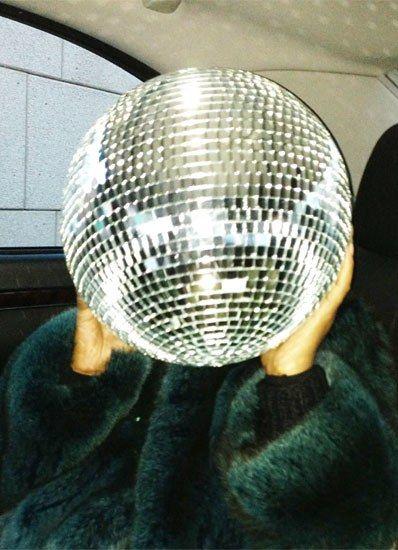 Gio's Journal: Bloc Party Giovanna Battaglia (part of her journal in W magazine, April Der Steppenwolf, Look 80s, Parisian Girl, Whatever Forever, Studio 54, Partying Hard, Giovanna Battaglia, Disco Ball, Disco Disco
