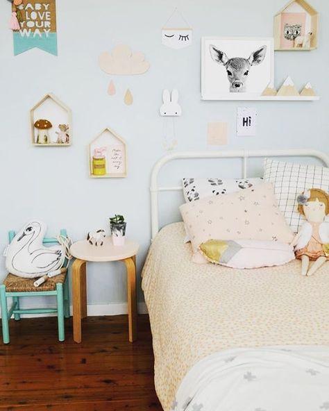 Chambre D Enfant Au Look Pastel Chambre Bebe Vert D Eau Chambre