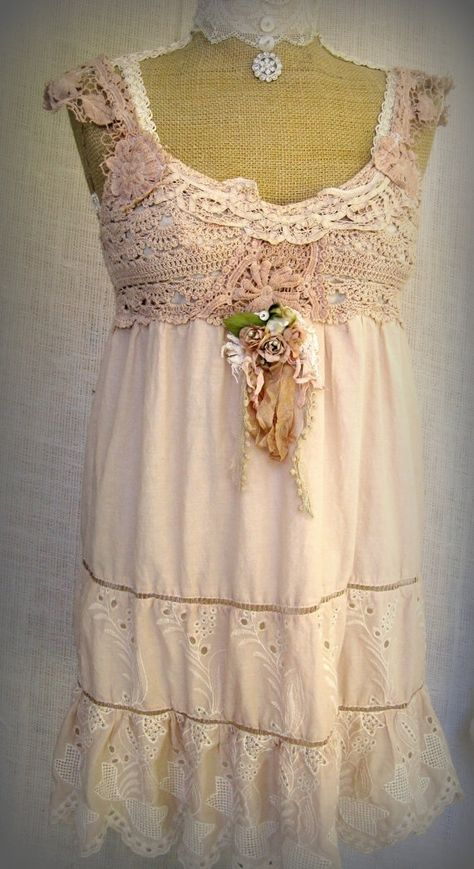 Lace and shabby chic by louise