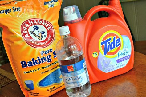 Add a heaping spoonful of baking soda and 1/4 cup of white vinegar in the wash with your workout clothes to get rid of the sweaty smell.