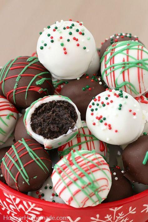christmas snacks Oreo Balls for Chris - weihnachten Best Christmas Desserts, Christmas Desserts Easy, Christmas Party Food, Christmas Goodies, Christmas Candy, Holiday Treats, Christmas Balls, Oreo Truffles Christmas, Christmas Treats For Gifts