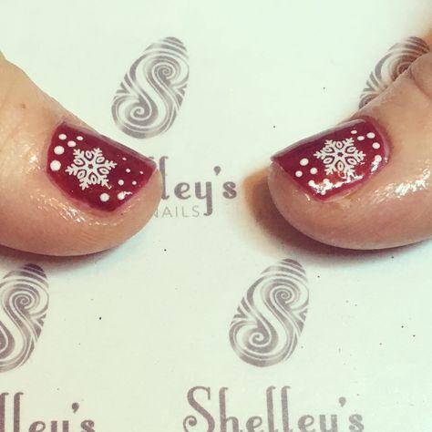 nail Red Christmas scene nails...