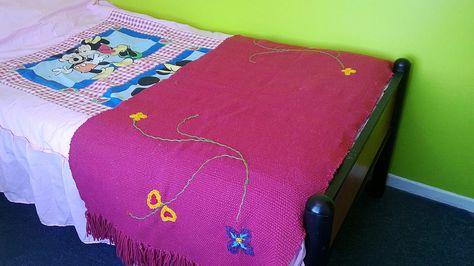 Piecera , 1.40 *70 cm. Confeccionado a mano en telar mapuche. lana natural