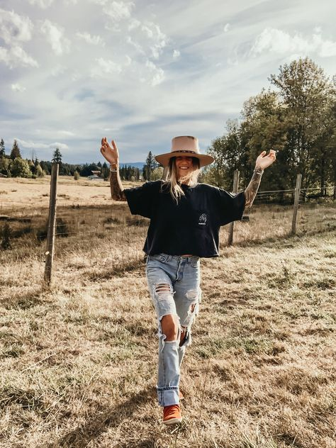 vintage fashion til the end Country Style Outfits, Southern Outfits, Country Fashion, Southern Fashion, Country Girl Style, Western Wear, Western Nails, Western Style, Western Outfits Women