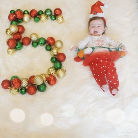 5 month old baby update! 3 Month Old Baby Pictures, 5 Month Old Baby, Milestone Pictures, Monthly Baby Photos, Newborn Baby Photos, Baby Christmas Photos, 1st Christmas, Baby Girl Photography, Foto Baby