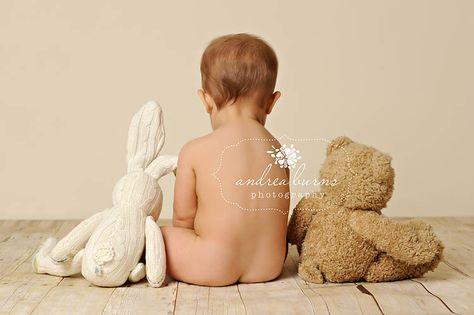 Toddler hiney pic