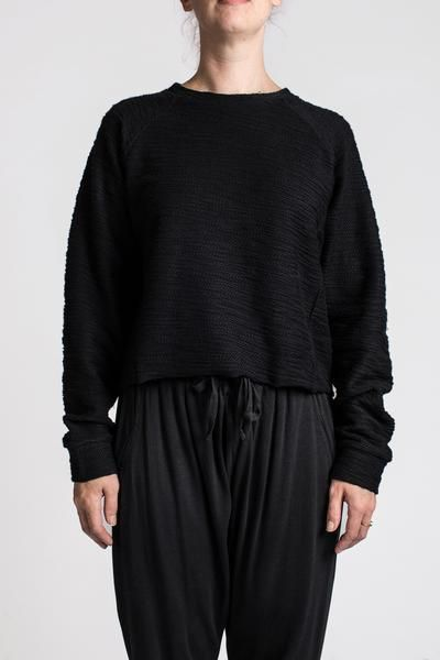 NIQUE EMIN CROP SWEATER BLACK | Melbourne fashion