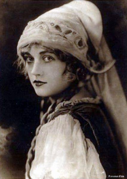 Marion Davies, 1920's