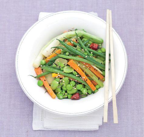 Wok di legumi e verdure piccanti all'orientale. Ricetta e foto di Barbara Toselli Tratta dalla rivista Cucina Naturale