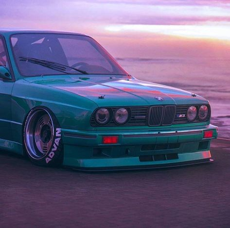 Classic Car News Pics And Videos From Around The World Tuner Cars, Jdm Cars, Slammed Cars, Hors Route, Street Racing Cars, Bmw E30 M3, Bmw Classic Cars, Japan Cars, Modified Cars