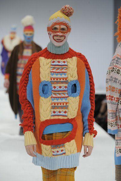 Hanzipan: Hannah Taylor - Graduate Fashion Week Hanzipan: Hannah Taylor - Graduate Fashion Week History of Knitting String spinning, weaving and stitching jobs su.