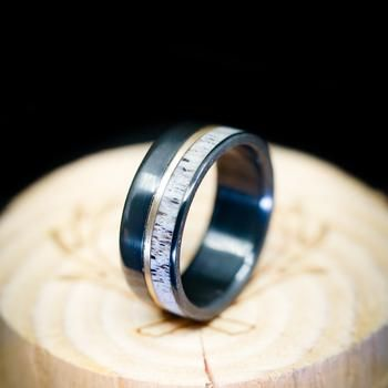 Camo Wedding, Wedding Men, Mens Wedding Bands Antler, Wedding Ideas, Dream Wedding, Whiskey Barrel Wedding, Antler Ring, Cute Rings, Antlers