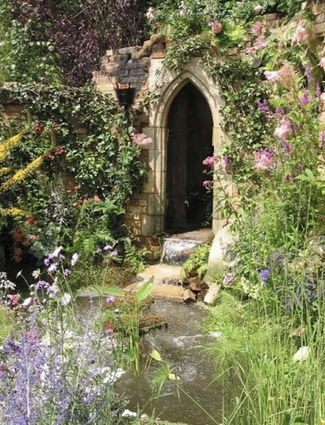 The Secret Garden I love the water coming from the door Jardin Decor, The Secret Garden, Secret Gardens, Nature Aesthetic, Princess Aesthetic, Enchanted Garden, Dream Garden, Faeries, Aesthetic Pictures