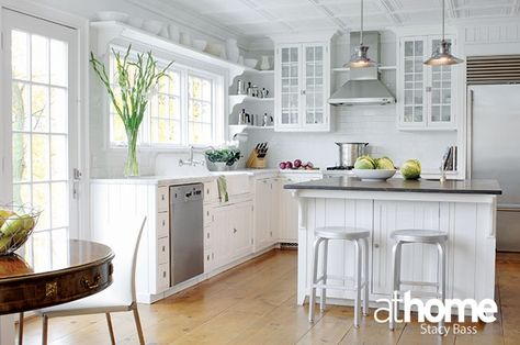 the details are what make this a sweet county kitchen